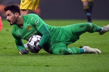 دورتموند يمدد رسمياً عقد حارسه رومان بوركي إلى 2023