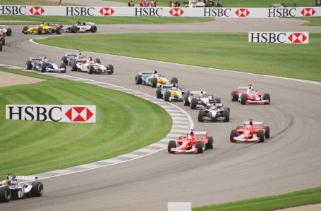 الحكومة البريطانية تمنح سباقات الفورمولا 1 الضوء الأخضر لعودة المسابقة