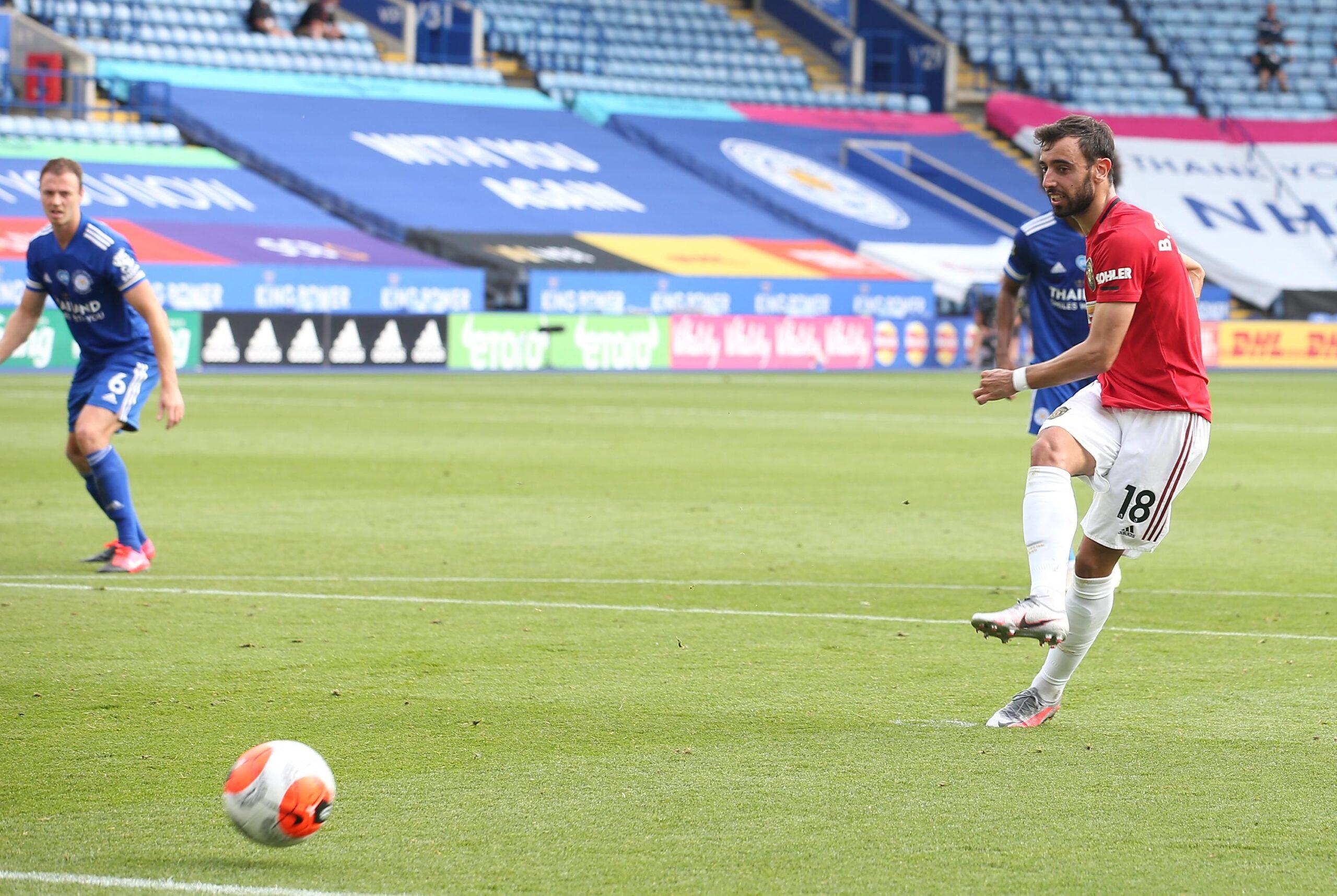 مانشستر يونايتد يقهر ليستر ستي بثنائية في الدوري الإنجليزي