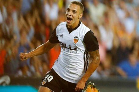 نادي فالنسيا يعلن إصابة مهاجمه رودريجو مورينو