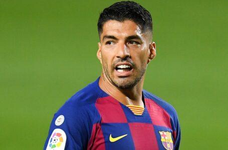 كومان يصر على أن سواريز سيكون له دور يلعبه إذا بقي في برشلونة